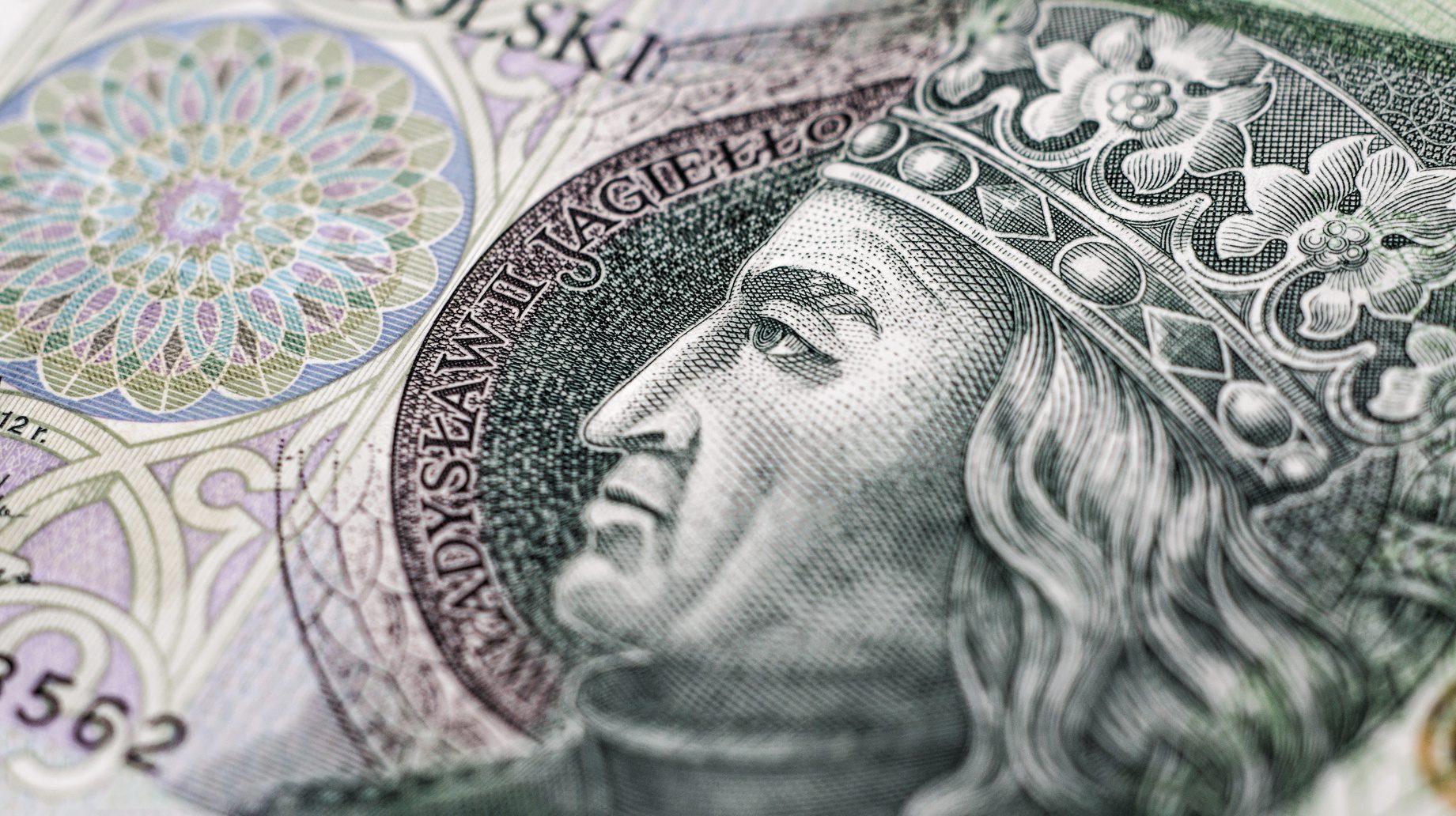 wynagrodzenie eksperta kredytowego
